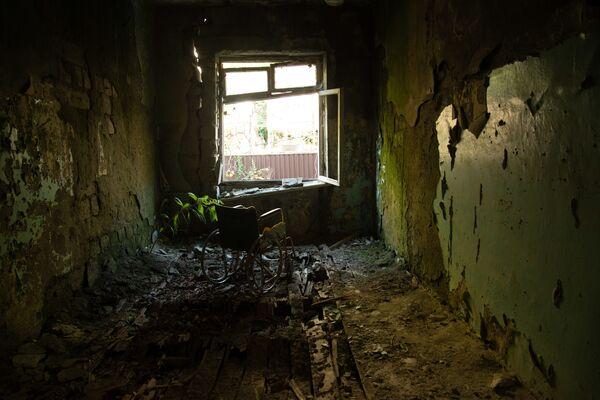 Напуштена музичка школа у Гагри у Абхазији - Sputnik Србија