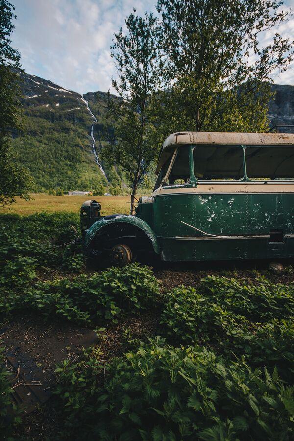 Напуштени аутобус у Норвешкој - Sputnik Србија