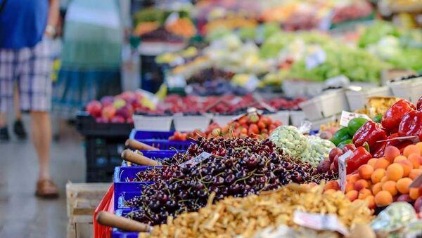 Осим хлеба, највише се бацају воће и поврће - Sputnik Србија