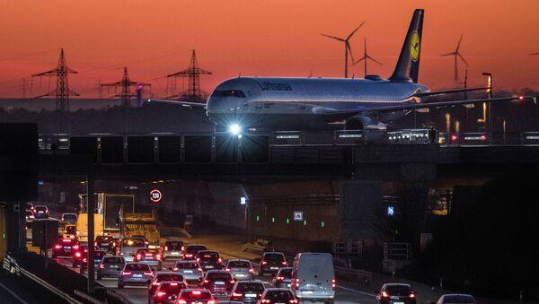 Луфтханза авион - Sputnik Србија
