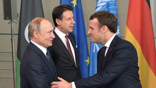 Председник Русије Владимир Путин и председник Француске Емануел Макрон - Sputnik Србија