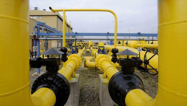 Цеви за транзит гаса у компресорској станици Рембелшчизна у близини Варшаве у Пољској - Sputnik Србија