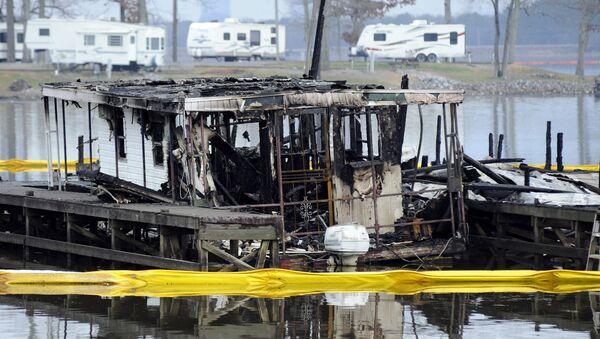 Požar u Alabami koji je zahvatio 35 brodova - Sputnik Srbija