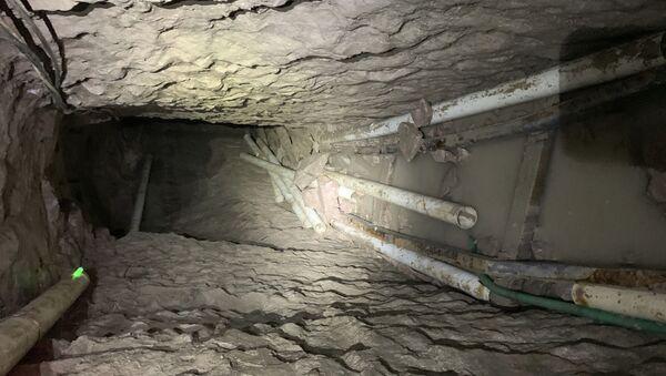 Најдужи тунел за кријумчарење дроге између Мексика и САД - Sputnik Србија