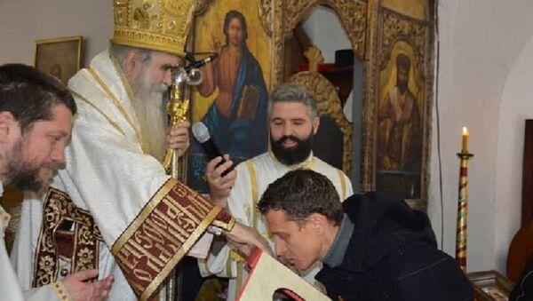 selektor vaterpolo reprezentacije Crne Gore prima blagoslov od Amfilohija - Sputnik Srbija
