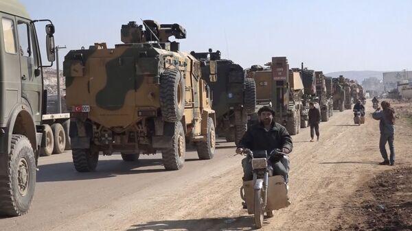 Konvoj turskih oklopnih vozila u sirijskoj provinciji Idlib - Sputnik Srbija