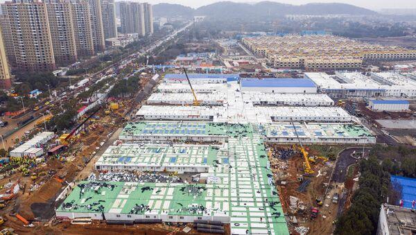 Izgradnja privremene poljske bolnice u Vuhanu u centralnoj kineskoj provinciji Hubej - Sputnik Srbija