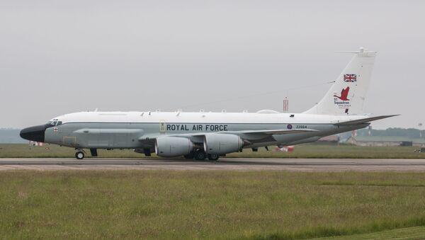 """Авион за радио-електронско извиђање Краљевског ратног ваздухопловства Велике Британије """"Боинг РЦ-135В Ривет Џоинт"""" - Sputnik Србија"""