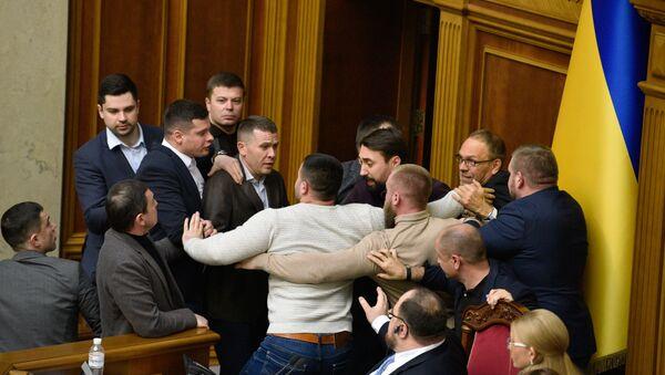 Tuča u Vrhovnoj radi u Ukrajini - Sputnik Srbija