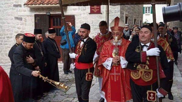 Мирашеви распопови бајали процесију у Котору - Sputnik Србија