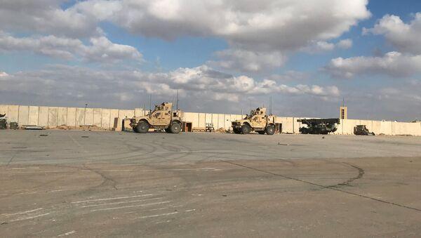 Vojna vozila američke vojske u vojnoj bazi Ajin el Asad u Iraku - Sputnik Srbija