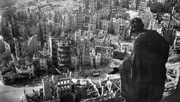 Рушевине Дрездена након ваздушног напада 13. фебруара 1945. - Sputnik Србија