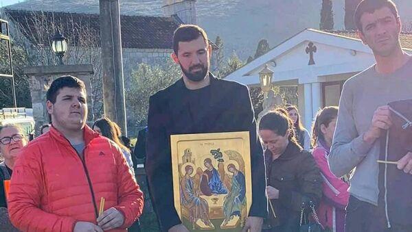Nikola Mirotić u litiji - Sputnik Srbija
