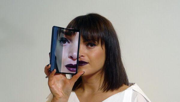 Telefon Samsung galaksi fold - Sputnik Srbija