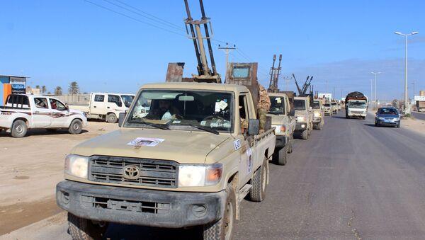 Vojna vozila libijskih vladinih snaga u Misrati - Sputnik Srbija
