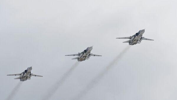 Bombarderi Su-24 Vazdušno-kosmičkih snaga Rusije - Sputnik Srbija