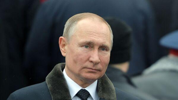 Председник Русије Владимир Путин полаже венац на Споменик незнаном јунаку у Москви - Sputnik Србија