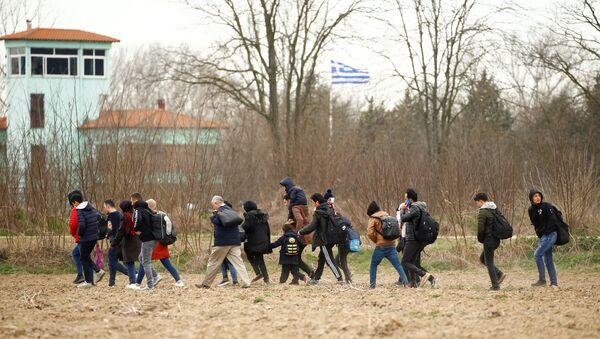 Migranti snimljeni kako prelaze tursko-grčku granicu - Sputnik Srbija