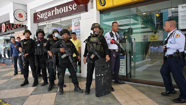 Полиција испред зграде у Манили - Sputnik Србија