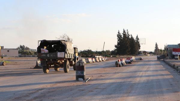 Vojno vozilo u Sarakibu, Idlib - Sputnik Srbija