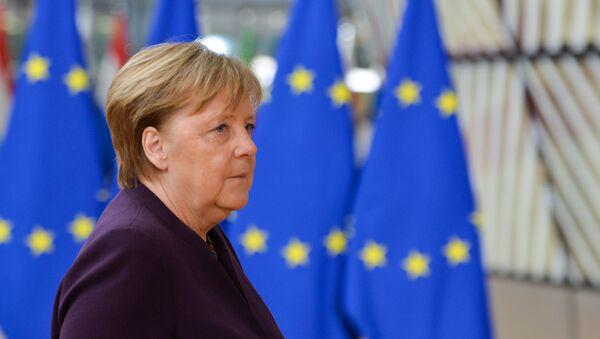Меркелова критиковала Турску због избеглица - Sputnik Србија
