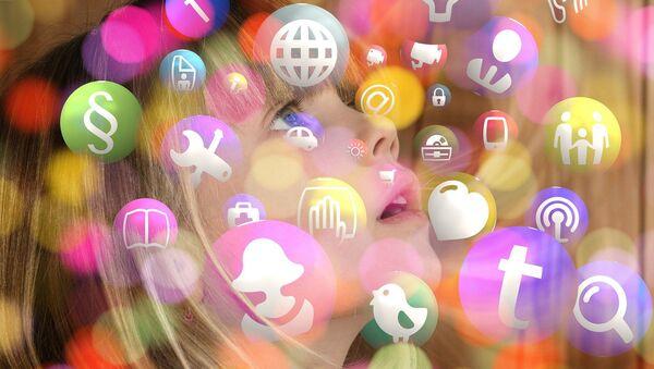 Dete i društvene mreže - Sputnik Srbija