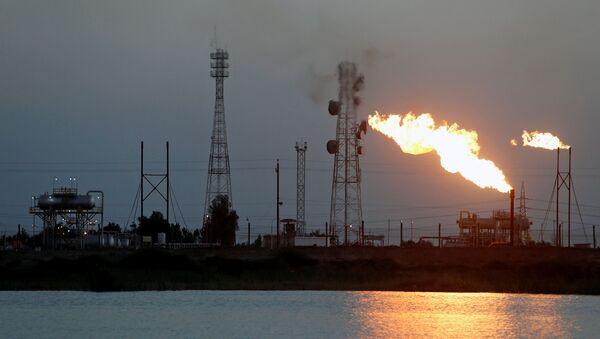 Нафтно поље Нар Бин Умар у Ираку - Sputnik Србија