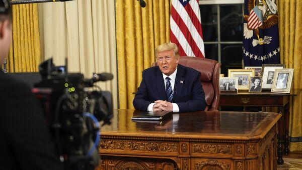 Američki predsednik Donald Tramp obraća se naciji iz Bele kuće - Sputnik Srbija