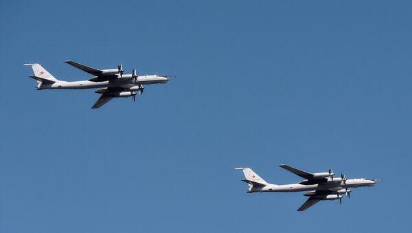Противподморнички авиони Ту-142 - Sputnik Србија