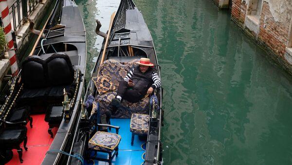 Gondolijer u Veneciji bez putnika - Sputnik Srbija
