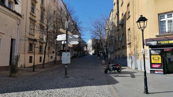 У боемском београдском кварту Скадарлија који иначе врви од туриста живе душе нема - Sputnik Србија