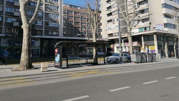 Pusto autobusko stajalište u centru Beograda - Sputnik Srbija