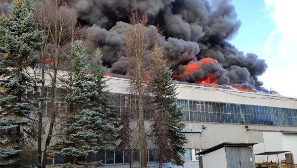 Пожар у фабрици алуминијума у близини Москве - Sputnik Србија