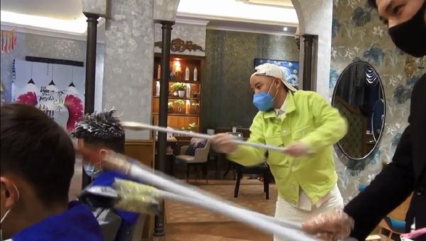 Kineski frizeri u doba koronavirusa - Sputnik Srbija