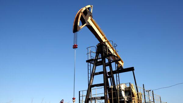 Naftna pumpa na nalazištu u Krasnodarskom kraju - Sputnik Srbija