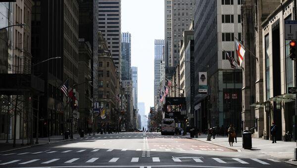 Prazna Peta avenija u Njujorku zbog pandemije virusa korona - Sputnik Srbija