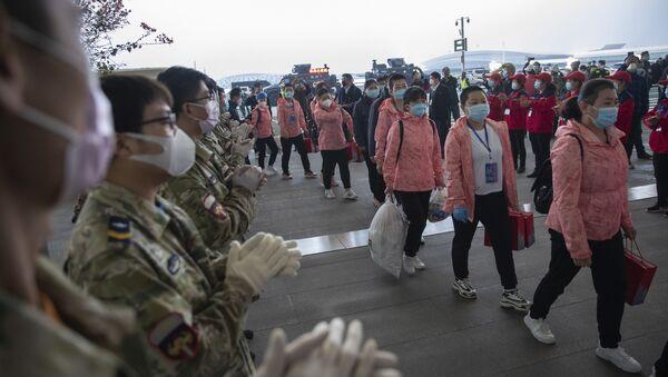 Kinezi u prvinciji Hubei nakon izolacije - Sputnik Srbija