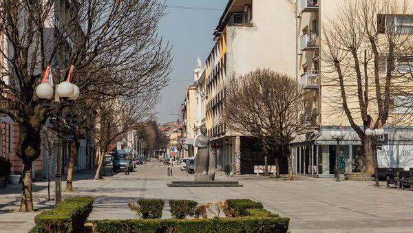 Prazan trg u Valjevu zbog koronavirusa - Sputnik Srbija