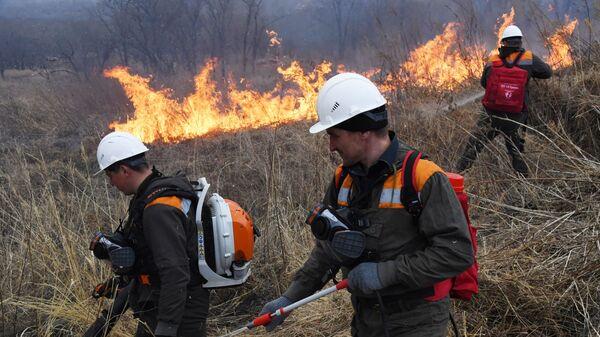 Ватрогасци гас пожар - Sputnik Србија