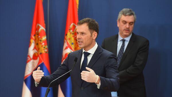 Siniša Mali i Marko Čadež predstavljaju ekonomske mere u vreme pandemije - Sputnik Srbija