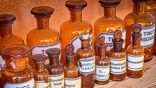 Stare farmaceutske bočice - Sputnik Srbija