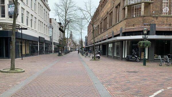 Kazna za nepoštovanje mere ograničenog kretanja u Holandiji je 400 evra - Sputnik Srbija