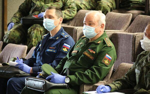 Руски официри на ВМА као помоћ при одбрани од вируса корона - Sputnik Србија