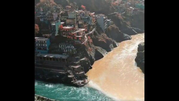 Ušće Alaknanda i Bagirati u reku Gangu u Devprajagu - Sputnik Srbija