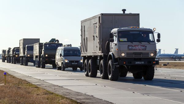 Kolona vozila sa medicinskom opremom Ministarstva odbrane Rusije - Sputnik Srbija