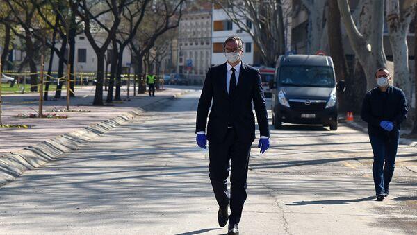 Председник Србије Александар Вучић стигао у Ниш, где је допремељена медицинска опрема - Sputnik Србија