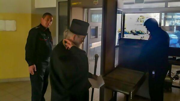 Mitropoliti Amfilohije u stanici policije u Podgorici  - Sputnik Srbija