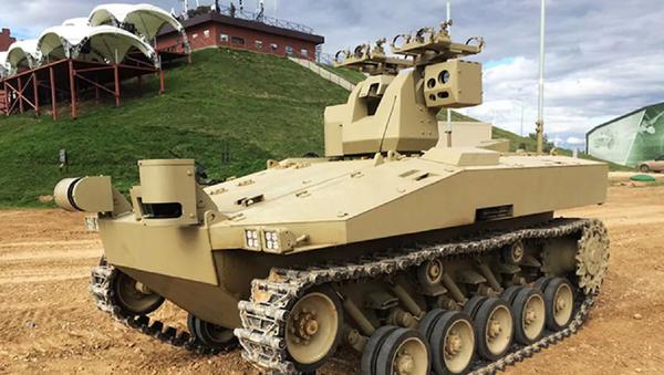 Ново руско роботизовано борбено возило Саратник - Sputnik Србија