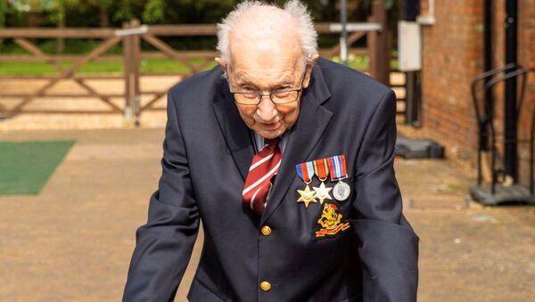 Британски ратни ветеран Том Мур - Sputnik Србија