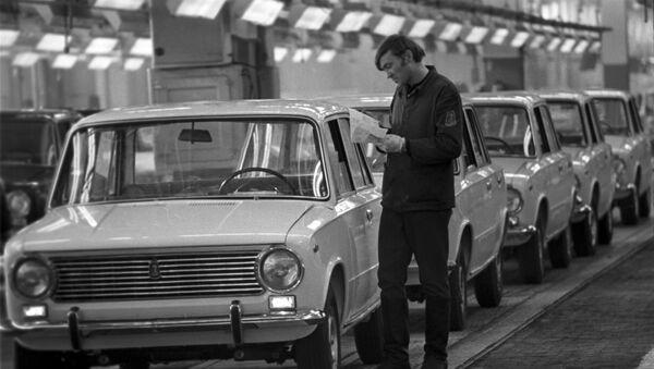 Automobili VAZ-2101 Žiguli u fabrici automobila AvtoVAZ - Sputnik Srbija
